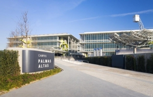 Abengoa-Tecnological-Campus-Palmas-Altas-exterior-lanscape